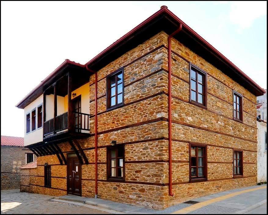 αναστολή λειτουργίας της Δημοτικής Βιβλιοθήκης Πολυγύρου και της Δημοτικής Βιβλιοθήκης Ορμύλιας